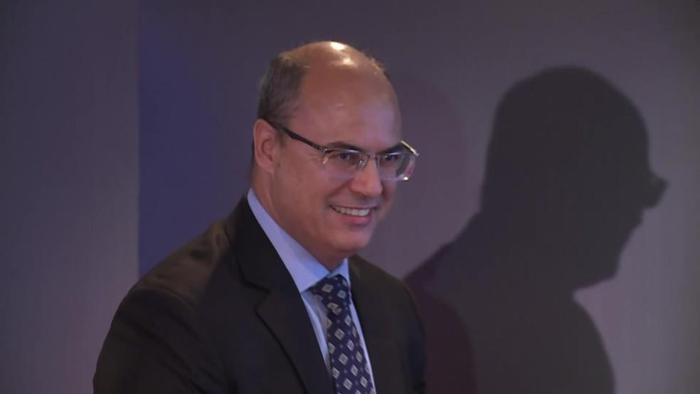 O governador eleito do RJ, Wilson Witzel, após entrevista coletiva nesta quinta (22) — Foto: Reprodução/TV Globo