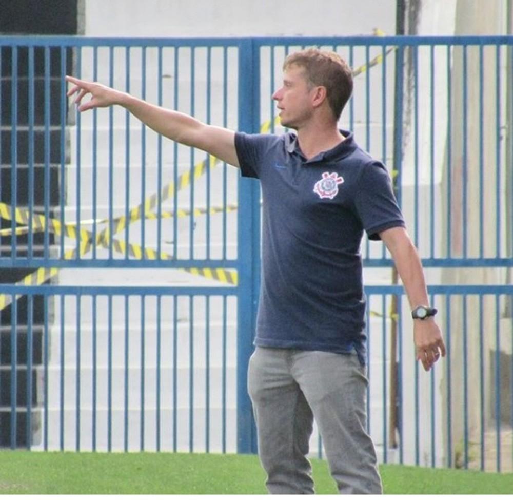 Corinthians perde coordenador da base, que aceita convite para ser técnico no Athletico-PR