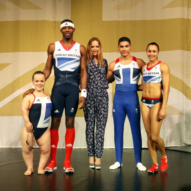 Mandatory Credit: Photo by Jane Mingay/REX/Shutterstock (1689279b)Eleanor Simmonds, Phillips Idowu, designer Stella McCartney, Louis Smith and Jessica EnnisAdidas Team GB Olympic Kit Launch, Tower of London, Britain - 22 Mar 2012Adidas presents The Bri (Foto: Jane Mingay/REX/Shutterstock)