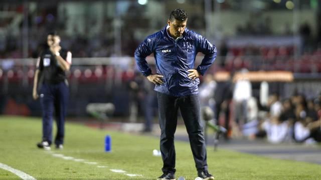 Sidnei Lobo comanda o Cruzeiro no lugar de Mano Menezes