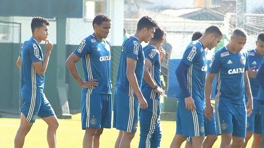 Rafael Lima chega ao Coritiba após gol do título em 2017 e mira semestre vitorioso