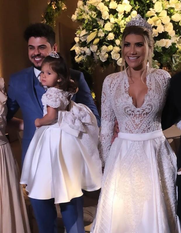 Paula Vaccari e sertanejo Cristiano com a filha Pietra (Foto: Reprodução/Instagram)