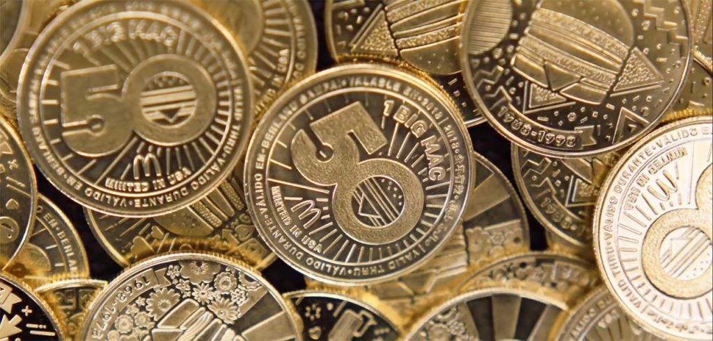 O MacCoin, moeda criada pelo McDonald's para celebrar os 50 anos do Big Mac (Foto: Divulgação)