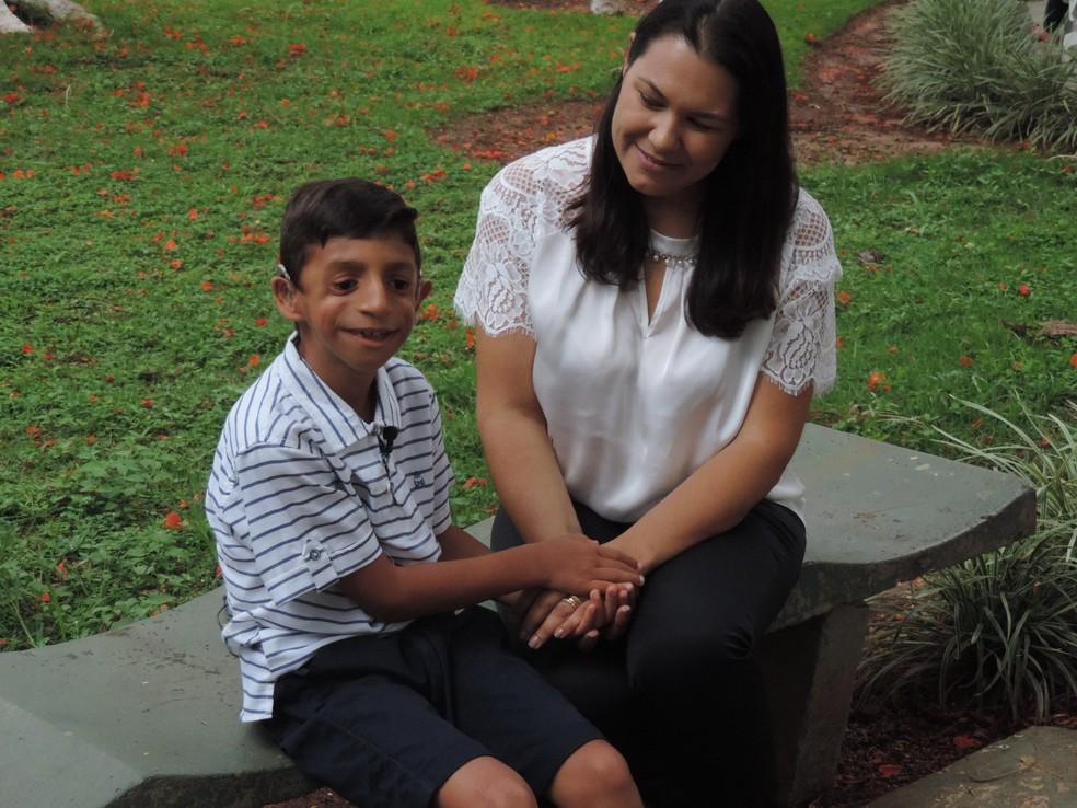 Andréia conta que a família tinha muitas dúvidas em relação ao desenvolvimento de Gabriel, que faz acompanhamento no Centrinho em Bauru (Foto: Gabrielle Gabas / TV TEM )