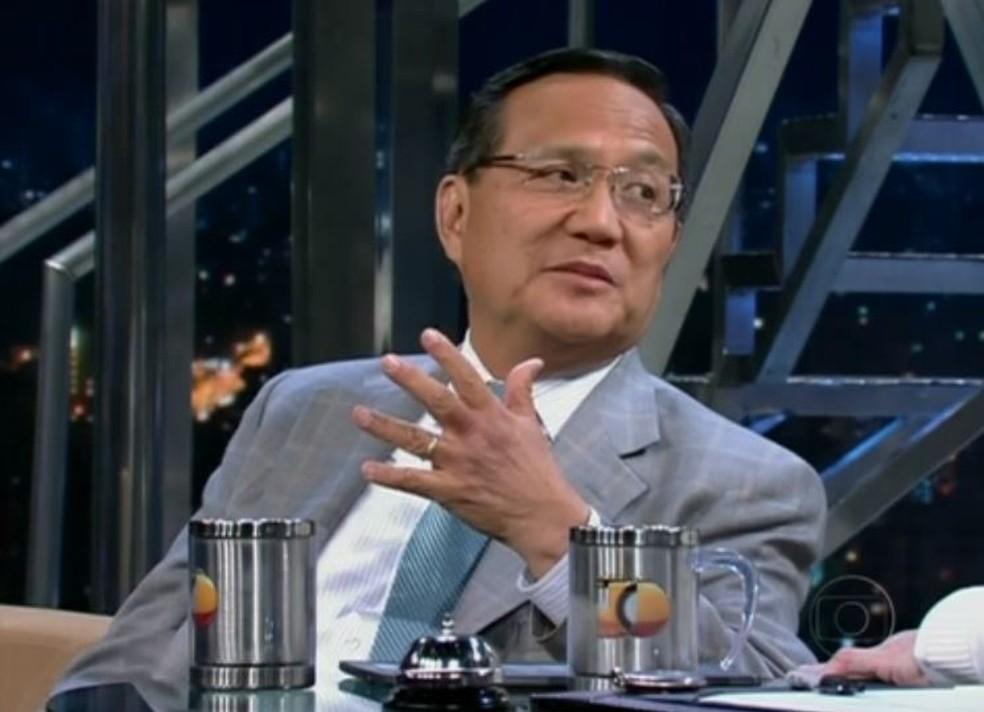 O médico toxicologista Anthony Wong, em entrevista ao Programa do Jô em 2012. — Foto: Reprodução/TV Globo