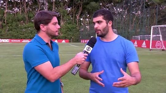 """Reinaldo tem melhores números do São Paulo no ano e torce por renovação: """"Sou muito grato"""""""