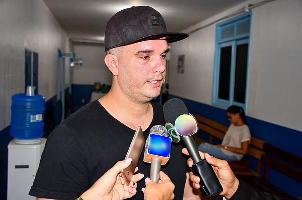 O médico cubano Erick Casa Nova agradeceu a população cruzeirense pelo acolhimento — Foto:  Divulgação/assessoria Prefeitura de Cruzeiro do Sul