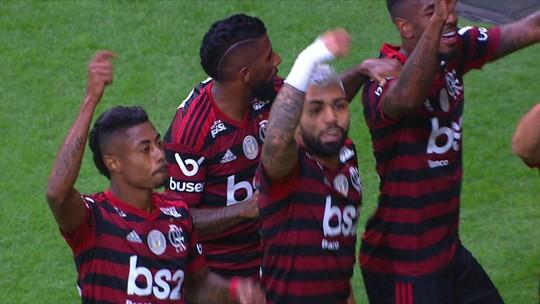 Gol do Fla: Bruno Henrique tabela com Arrascaeta e acerta bonito chute