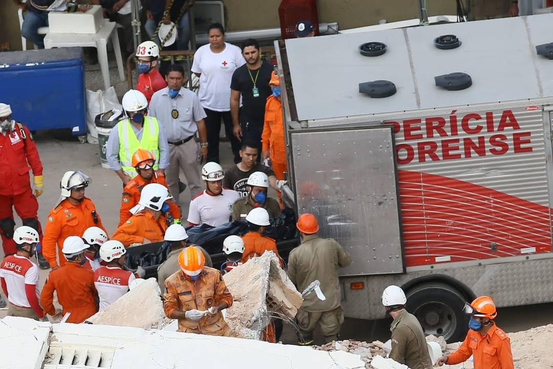 Bombeiros confirmam 4ª morte do desabamento do Edifício Andrea