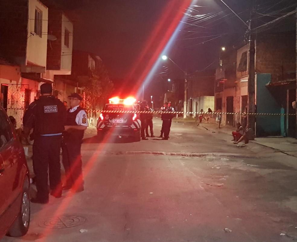 Polícia foi acionada para homicídio de ex-presidiário na Aerolândia. — Foto: Rafaela Duarte/SVM
