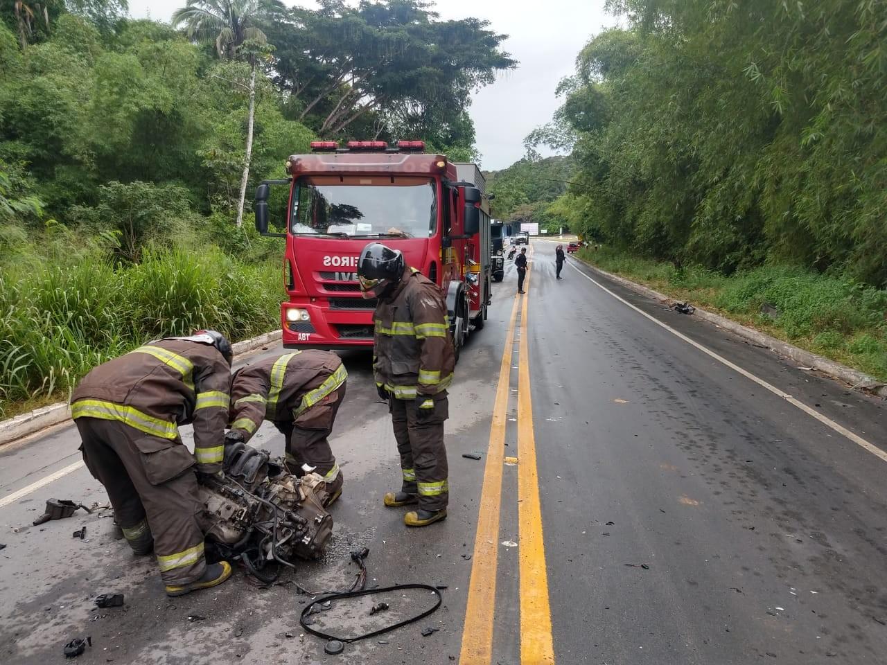 Acidente entre carreta e carro deixa ferido em Rio Largo, Alagoas