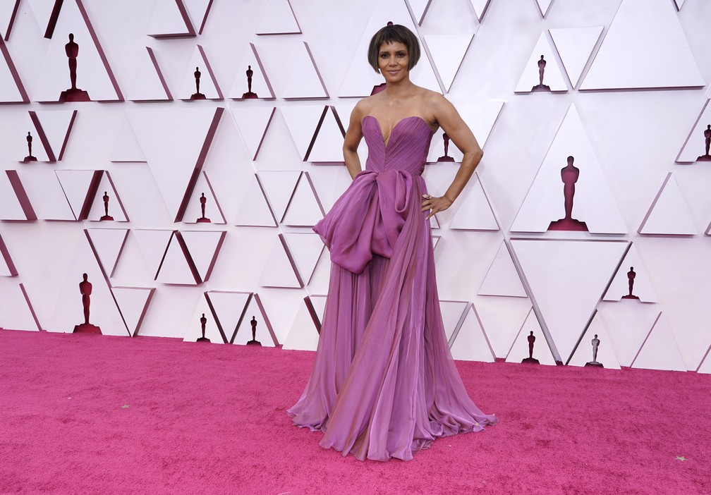 Halle Berry no Oscar 2021 — Foto: AP Photo/Chris Pizzello