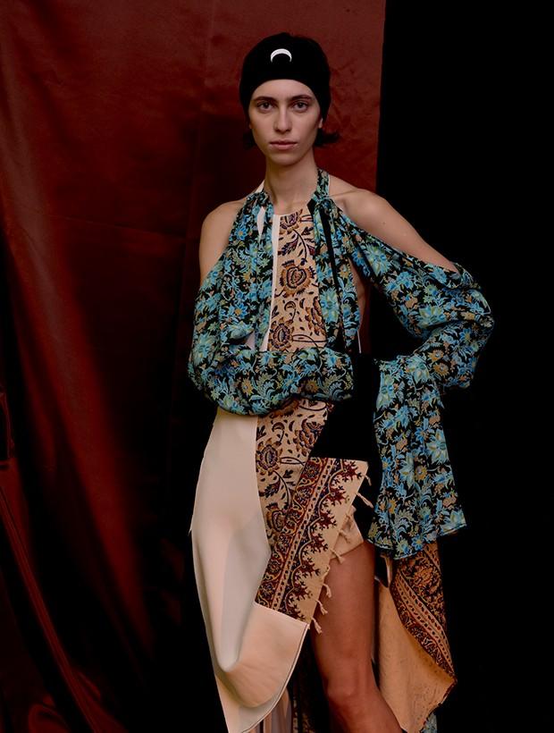 Look da coleção do inverno 2018/19 de Marine Serre, desfilada na última semana de moda de Paris (Foto: Divulgação)