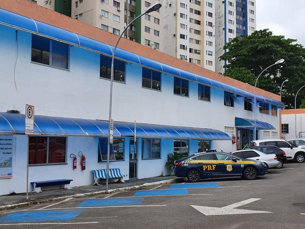 Transalvador é alvo de operação da PRF e MP — Foto: Naiá Braga/TV Bahia