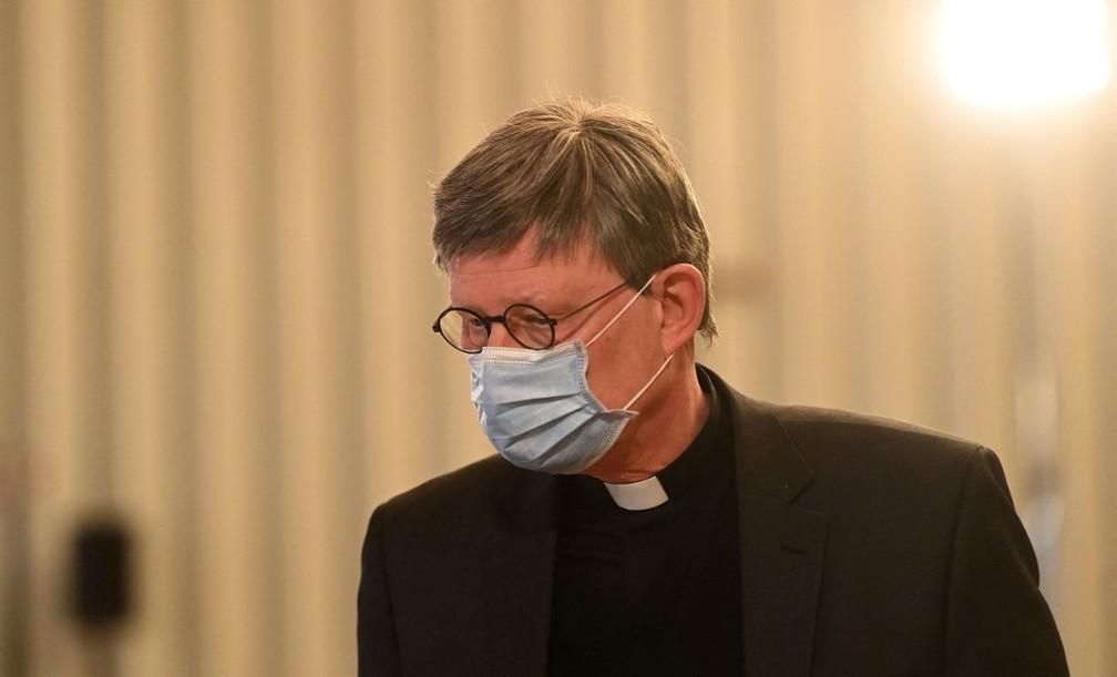 Rainer Maria Woelki, arcebispo de Colônia, na Alemanha, durante a apresentação de relatório sobre vítimas de abusos sexuais — Foto: Ina Fassbender /AFP