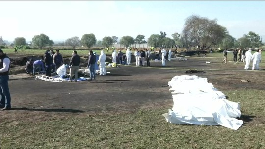 Passa de 70 o número de mortos em explosão de oleoduto no México