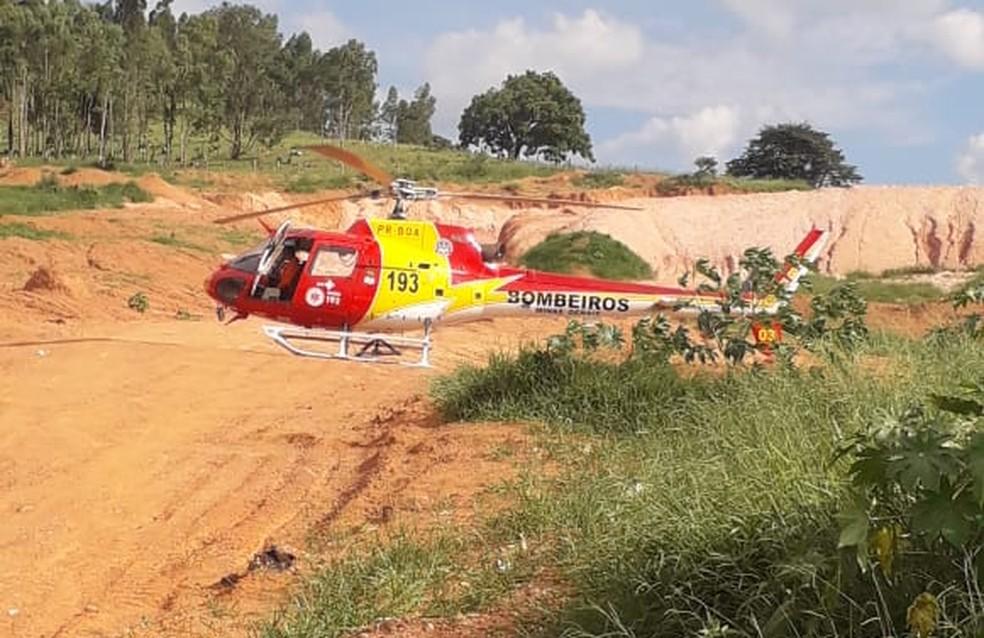 Helicóptero do Corpo de Bombeiros faz pouso de emergência em Guaxupé — Foto: Corpo de Bombeiros