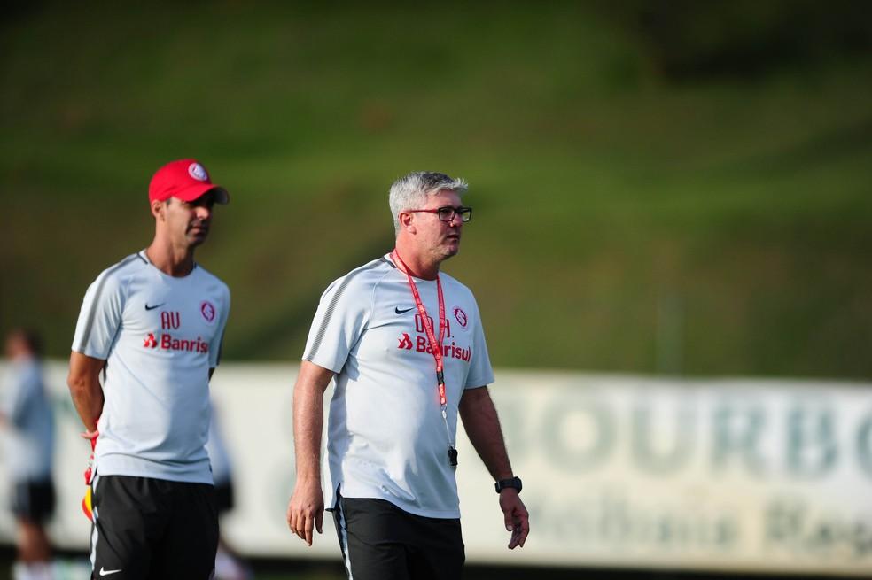 Lesão de Damião preocupa Inter para volta do Brasileirão; Odair testa opções