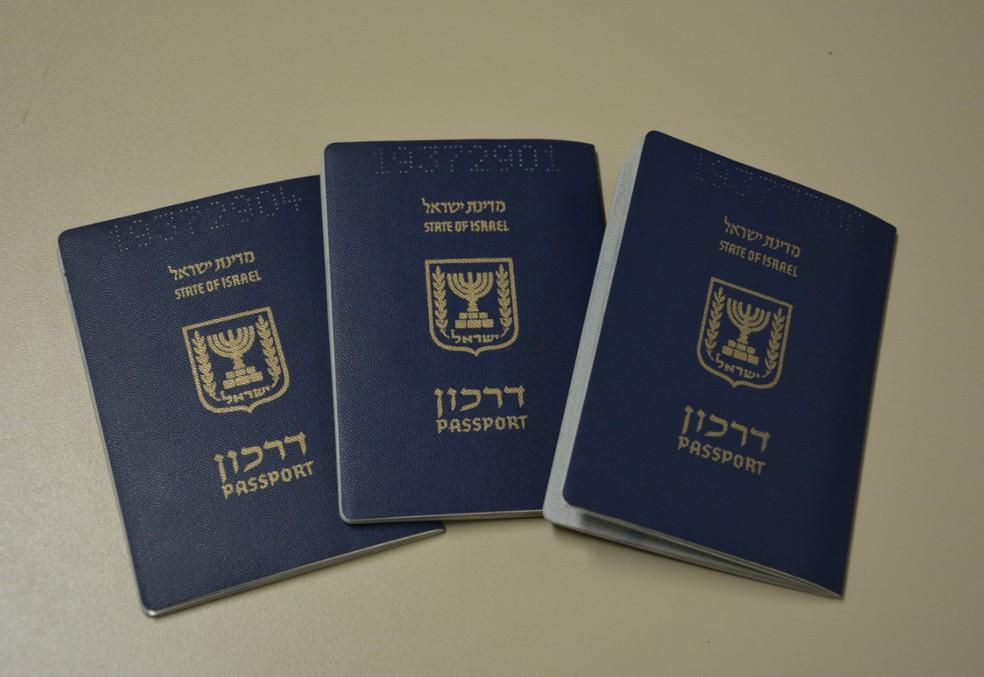 Passaportes falsos de Israel foram usados pelos iraquianos para tentar embarcar para a Espanha, segundo a PF (Foto: Polícia Federal/Divulgação)