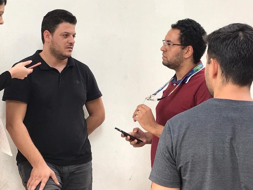 Adrierre Siqueira da Silva, de 37 anos, prestou depoimento nesta terça-feira (12), por praticar injúria racial contra segurança no Mineirão — Foto: Saulo Luiz/TV Globo