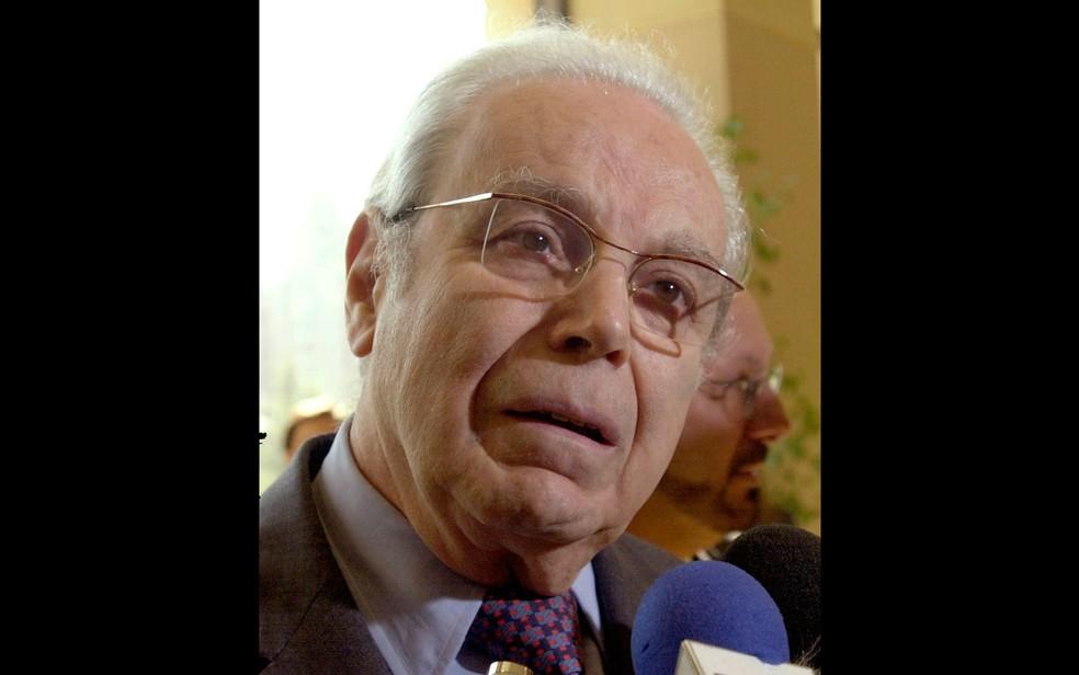 Javier Pérez de Cuéllar , em imagem de março de 2001 — Foto: Santiago Llanquín / Arquivo / AP Photo