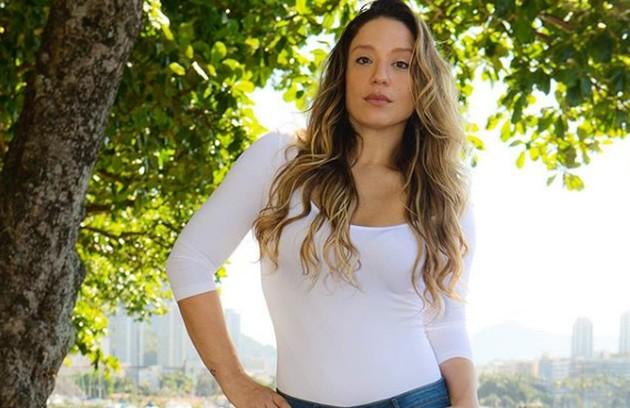 Helga Nemeczyk, que foi do elenco do 'Show dos famosos', voltará a cantar na Globo (Foto: Reprodução Instagram)