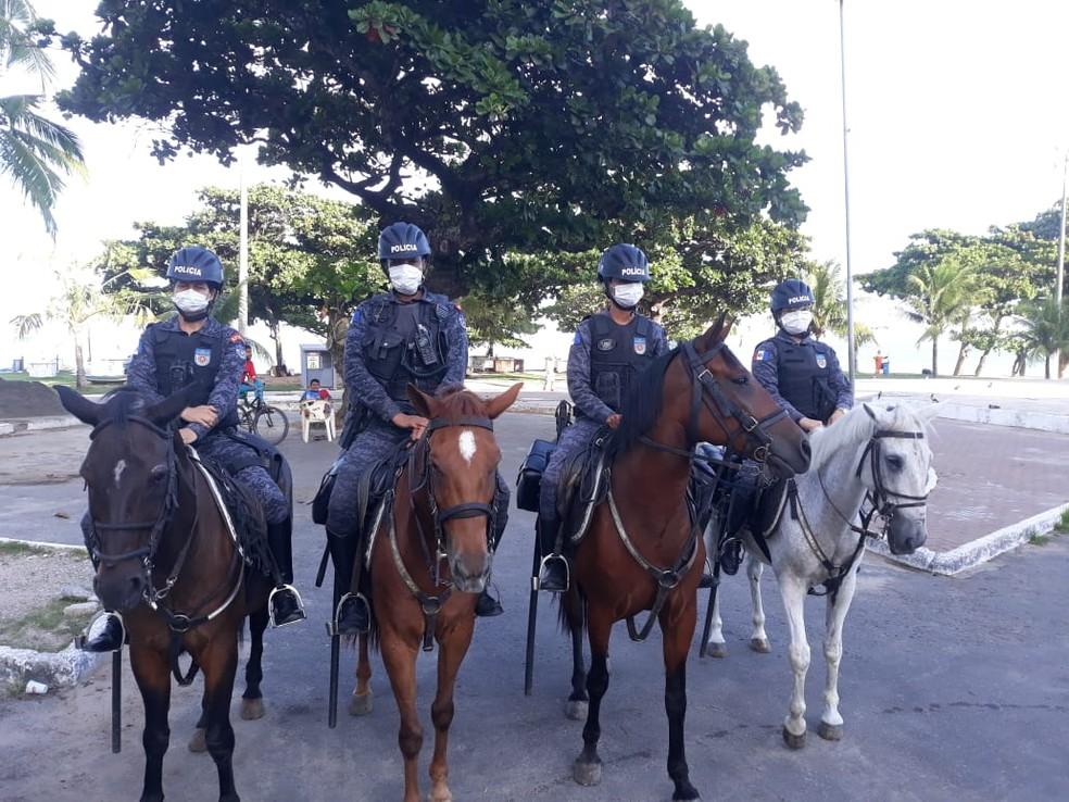 Polícia Militar está nas ruas fiscalizando cumprimento do decreto de emergência que determina isolamento social em Alagoas — Foto: PM-AL