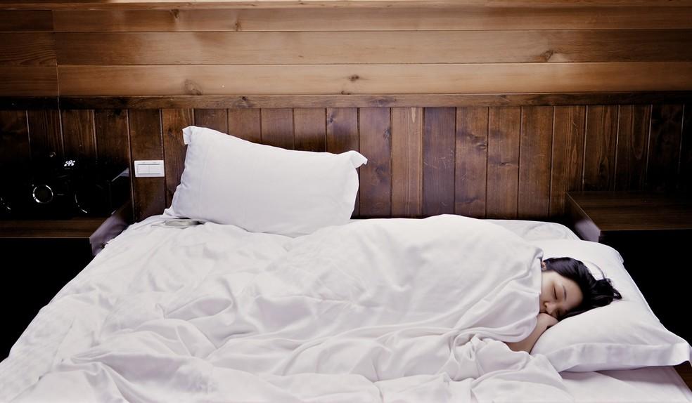 Para a OMS o ideal é dormir pelo menos 8 horas por noite.  — Foto: Creative Commons