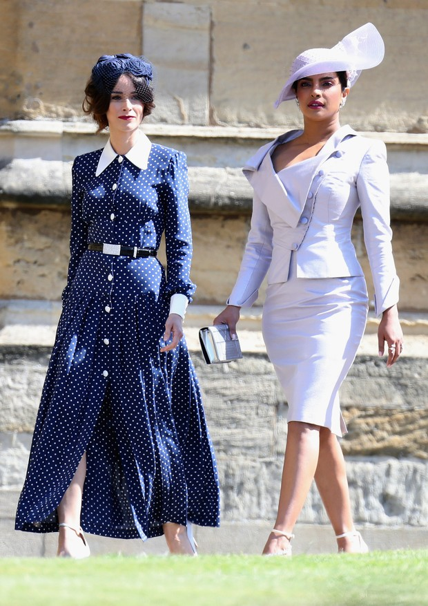 Abigail Spencer chega ao casamento de Príncipe Harry e Meghan Markle com Priyanka Chopra (Foto: Getty Images)