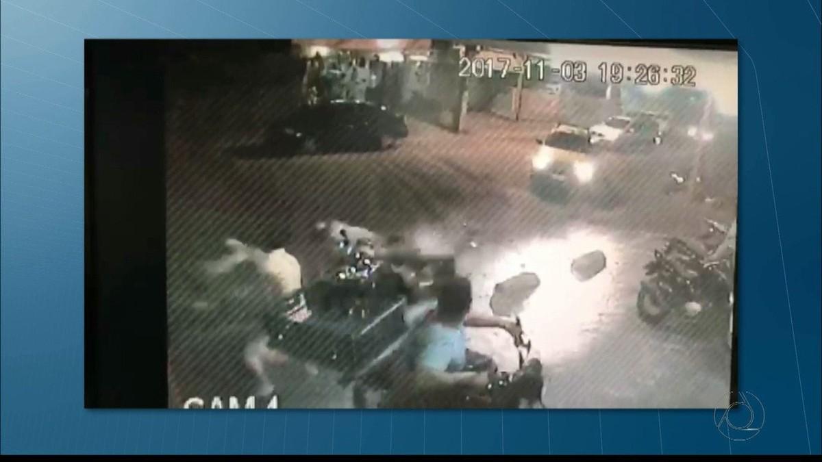 Dupla é detida após roubar moto, praticar assaltos e sofrer acidente em João Pessoa