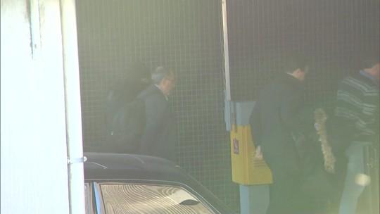 Presos na 34ª fase da Lava Jato chegam à Polícia Federal em Curitiba