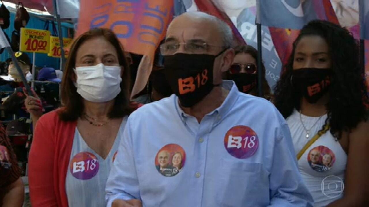 Eduardo Bandeira de Mello (REDE) faz campanha na Saara