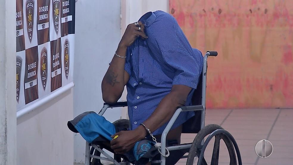 Cadeirante disse que começou a vender drogas para ter uma segunda fonte de renda (Foto: Inter TV Cabugi/Reprodução)