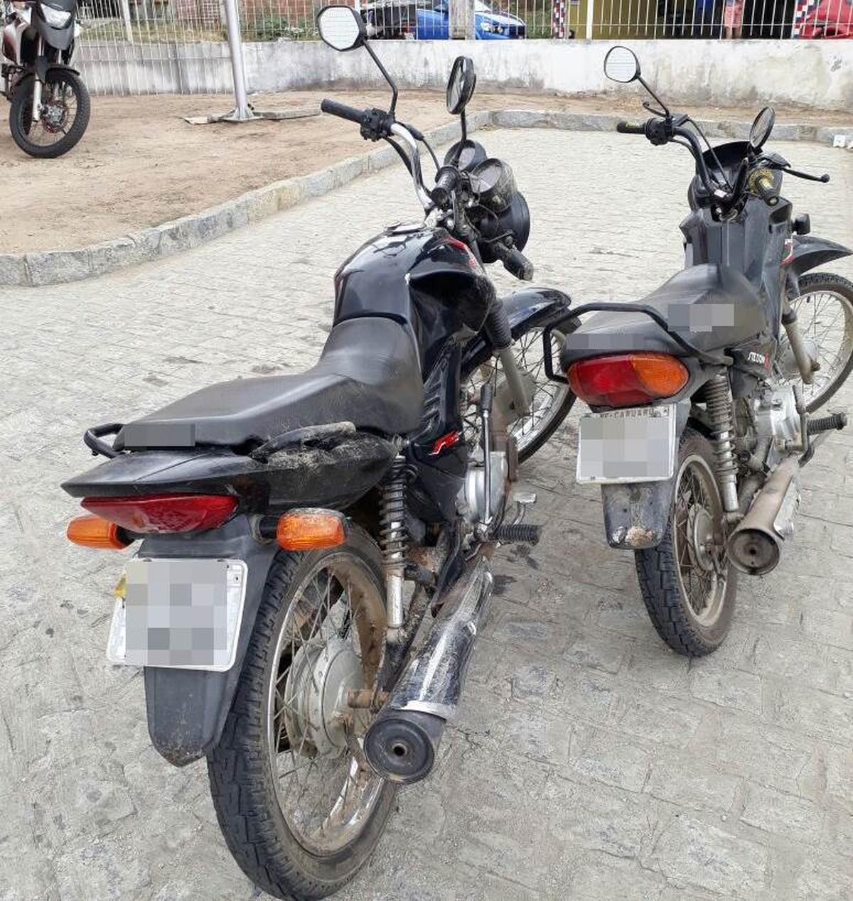 Jovem suspeito de assalto é preso após colidir moto roubada contra cerca de arame farpado em Caruaru, PE