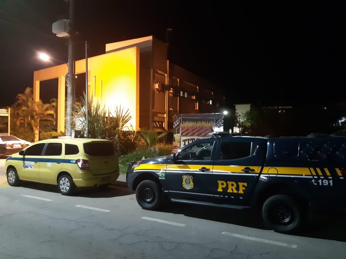 Taxista é preso com 6 kg de cocaína escondidos em fundo falso de malas em Itatiaia