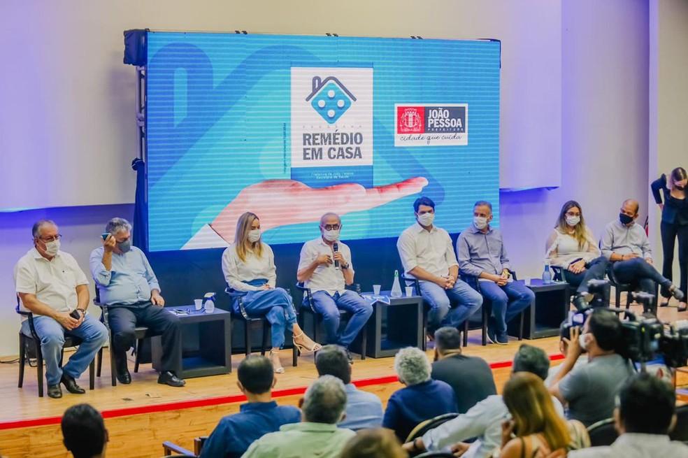 Lançamento do projeto 'Remédio em Casa', em João Pessoa — Foto: Ascom PMJP/Divulgação