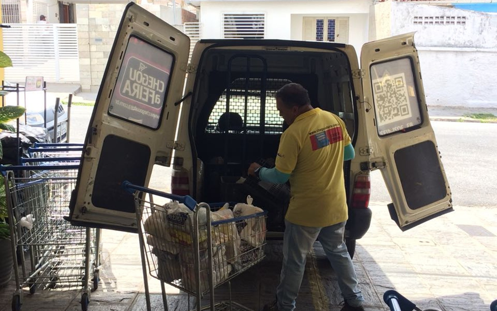 Com confinamento, moradores de Araraquara têm dificuldades com delivery e supermercados estão até recusando pedidos