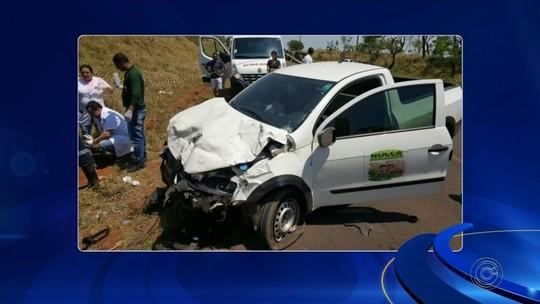 Vítimas de acidente entre três carros em Bernardino de Campos são enterradas nesta quarta-feira