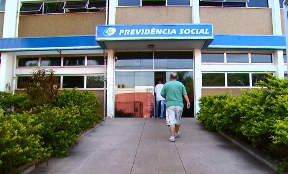 Agência do INSS (Foto: Reprodução EPTV)