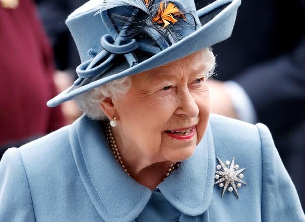 Rotina matinal da rainha Elizabeth II vira assunto na imprensa britânica - Quem   QUEM News