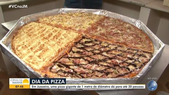 Chefe de cozinha prepara pizza gigante de um metro de diâmetro, em Juazeiro