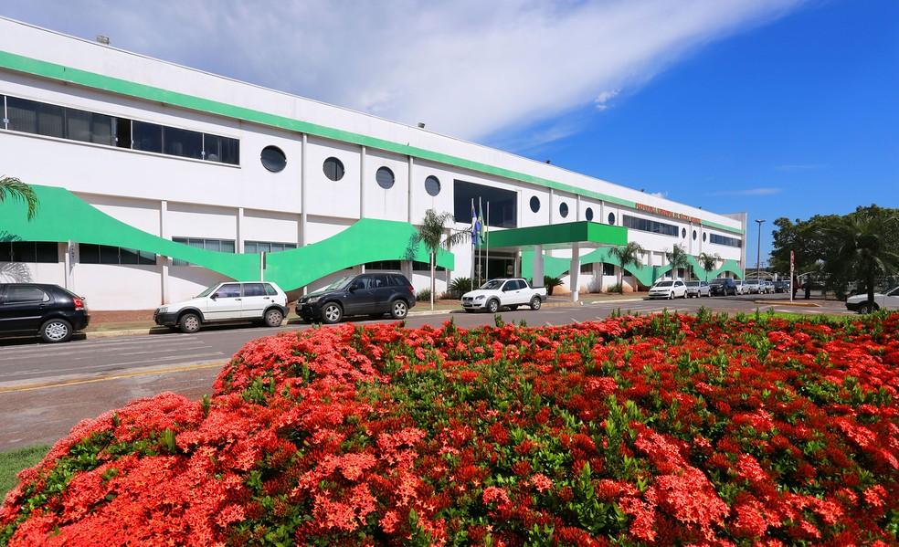 Prefeitura de Várzea Grande (MT) abre concurso com 2,6 mil vagas e salários de até R$ 8,8 mil (Foto: Prefeitura de Várzea Grande (MT))