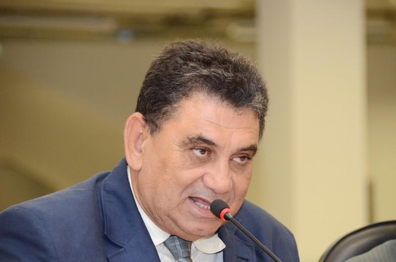 Após deixar o PSDB durante a janela partidária, vereador Izaque Silva filia-se ao Patriota