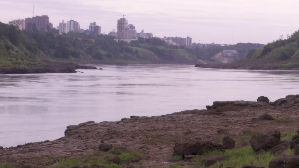 Rio Paraná está 4,5 metros abaixo do nível médio — Foto: RPC/Reprodução