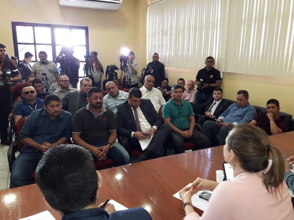 Reunião discute preços abusivos dos combustíveis em Manaus — Foto: MP-AM/Divulgação