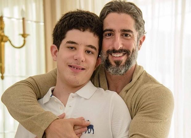 Marcos Mion e o filho Romeo (Foto: Reprodução/Instagram)