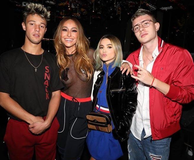Sabrina Sato com Cameron Dallas, Manu Gavassi e Leo Picon (Foto: Divulgação)