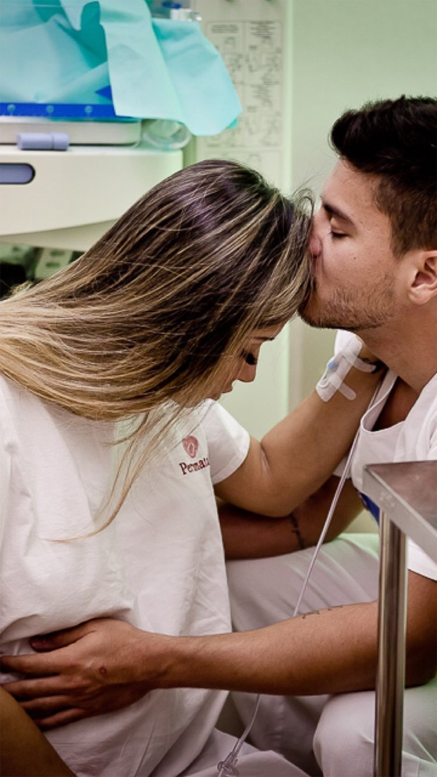 Mayra Cardi compartilha fotos de momentos antes de parto (Foto: Reprodução/Instagram)