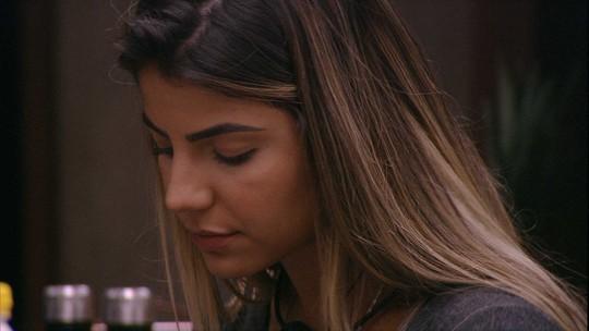 Paula diz que daria Monstro para Rodrigo, e Hariany discorda