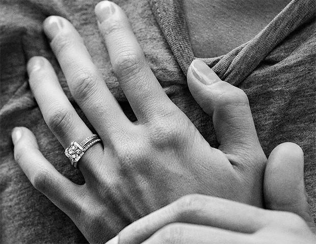 Saiba quais as tendências para as alianças de noivado em 2019 (Foto: Instagram / Tiffany)